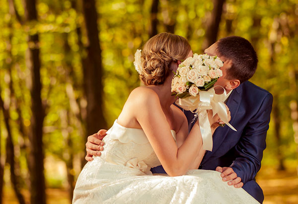 Don't Forget These 3 Tips and Party Supply Rentals for Your Autumn Wedding