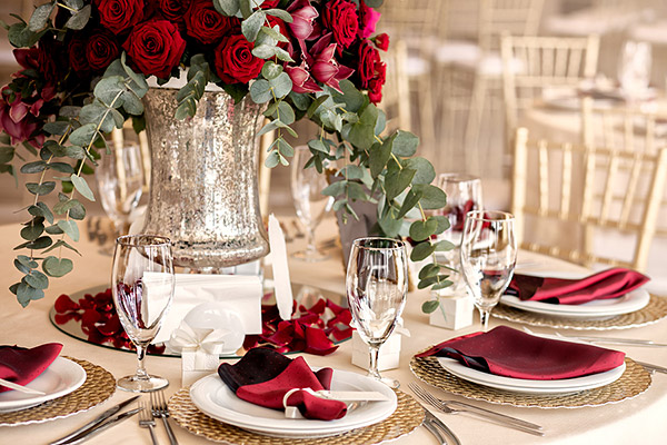 How to Choose the Perfect Color Scheme for Your Party Linen Rentals