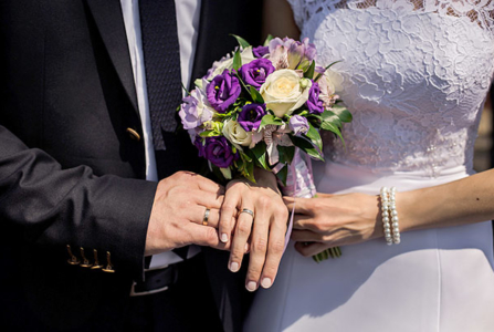 Hosting a Big Wedding? Follow These Stress-Managing Tips
