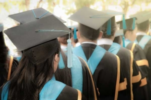 7 Things You Need to Throw the Best Graduation Party of the Year
