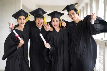 6 Benefits of an Event Rental Company for Graduation Parties