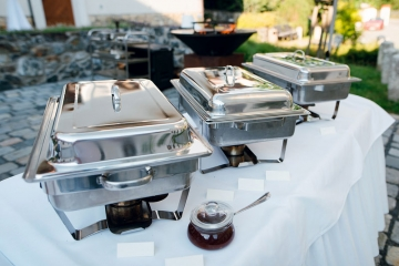 From Chairs to Tents, Here Are 4 Things You Need to Host a Large Event
