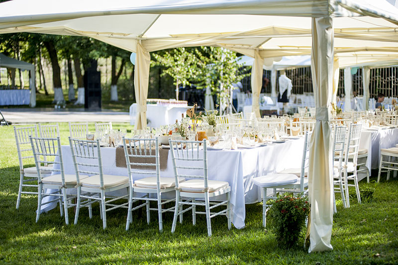 Planning a Party? Make Sure You Get the Right Linens, Tables, and Chairs!